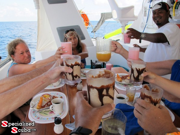 Belize, Lunch on Board, Cheers